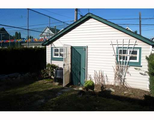 Photo 10: 1943 VENABLES Street in Vancouver: Hastings House for sale (Vancouver East)  : MLS® # V754356
