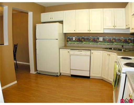 "Photo 3: 108 2435 CENTER Street in Abbotsford: Abbotsford West Condo for sale in ""CEDAR GROVE"" : MLS® # F2906015"