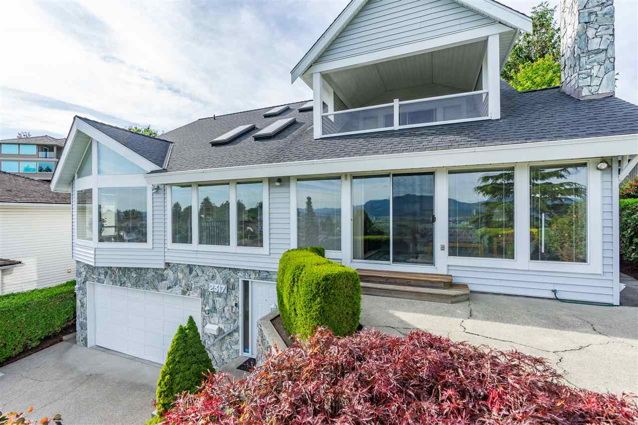 FEATURED LISTING: 2317 MOUNTAIN Drive Abbotsford