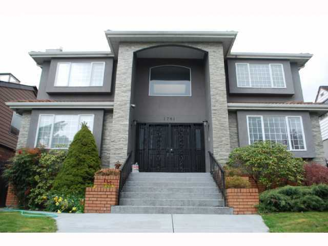 "Main Photo: 1741 E 59TH Avenue in Vancouver: Fraserview VE House for sale in ""FRASERVIEW"" (Vancouver East)  : MLS® # V845445"