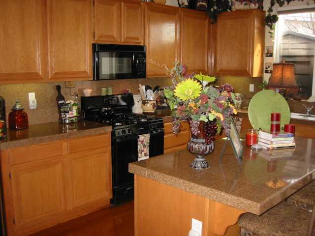 Photo 3: CHULA VISTA House for sale : 4 bedrooms : 2608 Cactus Trail