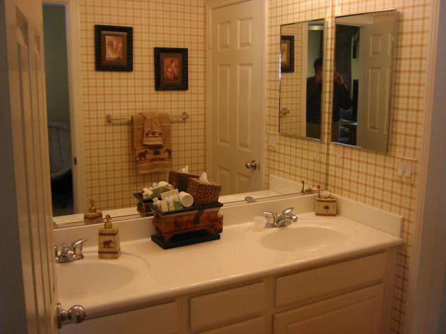 Photo 9: CHULA VISTA House for sale : 4 bedrooms : 2608 Cactus Trail
