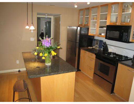 Photo 2: TH14 939 RICHARDS Street in Vancouver: Downtown VW Townhouse for sale (Vancouver West)  : MLS® # V756450