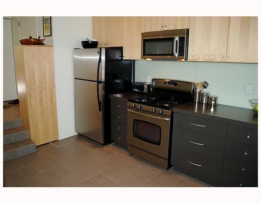 Photo 3: 549 E 7TH Avenue in Vancouver: Mount Pleasant VE House 1/2 Duplex for sale (Vancouver East)  : MLS® # V759260