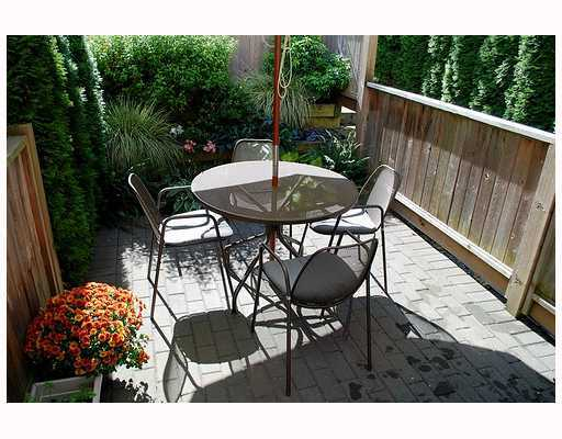 Photo 6: 549 E 7TH Avenue in Vancouver: Mount Pleasant VE House 1/2 Duplex for sale (Vancouver East)  : MLS® # V759260