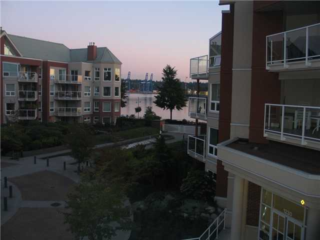Photo 2: 308 1240 QUAYSIDE Drive in New Westminster: Quay Condo for sale : MLS(r) # V852183