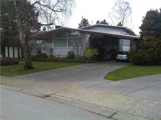 "Main Photo: 8411 FAIRHURST Road in Richmond: Seafair House for sale in ""SEAFAIR"" : MLS® # V866602"