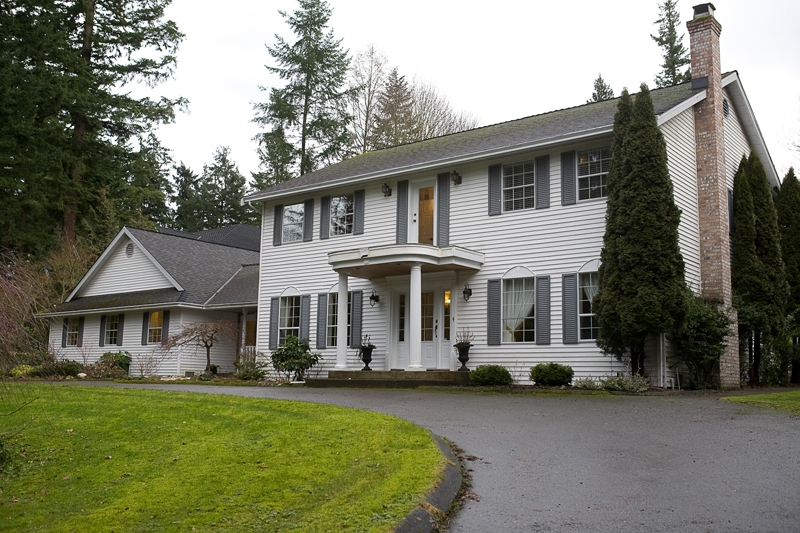 Main Photo: 13950 28 Avenue in Surrey: Sunnyside Park Surrey House for sale (South Surrey White Rock)  : MLS® # F1102365