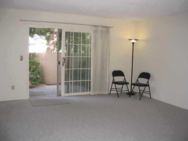 Photo 10: ENCINITAS Residential for sale : 3 bedrooms : 2044 Willowood Ln