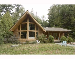 Main Photo: 3160 BEACH Avenue: Roberts Creek House for sale (Sunshine Coast)  : MLS® # V765023