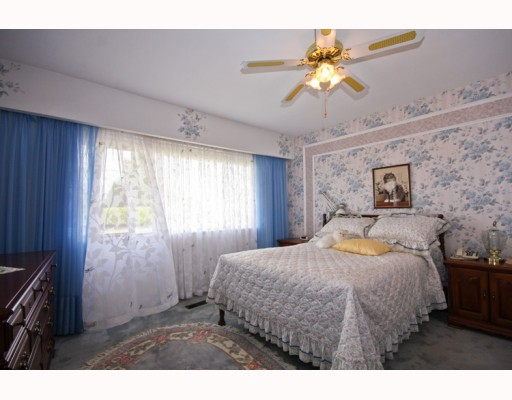 Photo 7: 10531 NO 2 Road in Richmond: Steveston North House for sale : MLS® # V785771