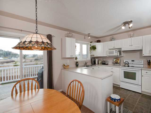 Photo 2: 5825 MOLEDO Place in Prince George: North Blackburn House for sale (PG City South East (Zone 75))  : MLS(r) # N205824