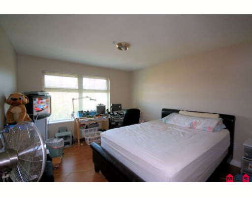 "Photo 6: 412 15210 GUILDFORD Drive in Surrey: Guildford Condo for sale in ""The Boulevard Club"" (North Surrey)  : MLS(r) # F2827151"