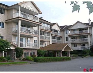 "Main Photo: 304 2491 GLADWIN Road in Abbotsford: Abbotsford West Condo for sale in ""LAKEWOOD GARDENS"" : MLS®# F2827958"