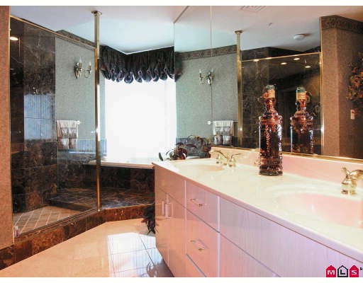 "Photo 8: 1703 33065 MILL LAKE Road in Abbotsford: Central Abbotsford Condo for sale in ""Summit Point"" : MLS® # F2820382"