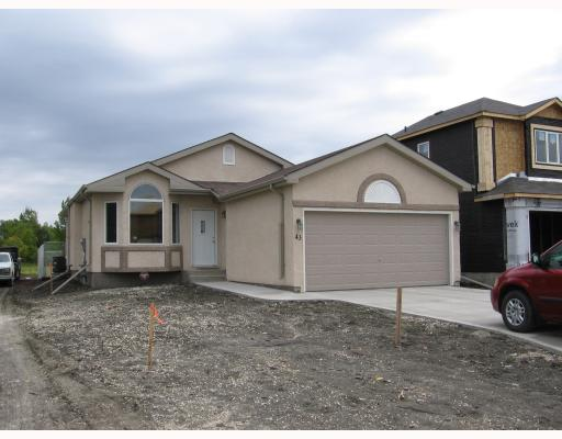 Main Photo: 99 HEARTSTONE in WINNIPEG: Transcona Residential for sale (North East Winnipeg)  : MLS(r) # 2901961