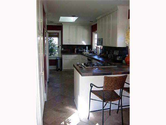 Photo 8: MISSION HILLS House for sale : 3 bedrooms : 4383 Trias in San Diego