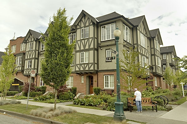"Photo 2: 2628 QUEBEC Street in Vancouver: Mount Pleasant VE Townhouse for sale in ""MAISON LIVING"" (Vancouver East)  : MLS® # V720660"