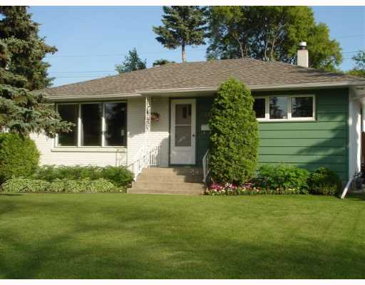 Main Photo: 60 WEAVER Bay in WINNIPEG: St Vital Single Family Detached for sale (South East Winnipeg)  : MLS®# 2710845
