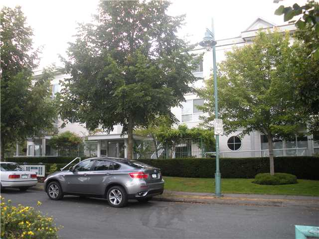 "Main Photo: 6 2711 E KENT Avenue in Vancouver: Fraserview VE Townhouse for sale in ""RIVERSIDE GARDENS"" (Vancouver East)  : MLS®# V843288"