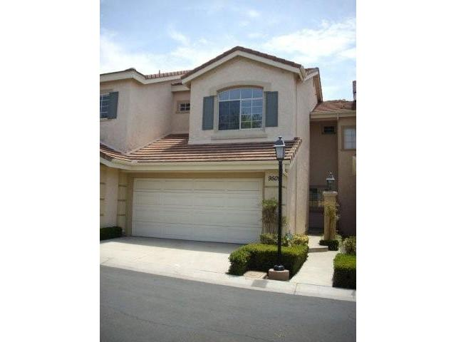 Main Photo: MIRA MESA Townhome for sale : 2 bedrooms : 9509 Questa Pointe in San Diego