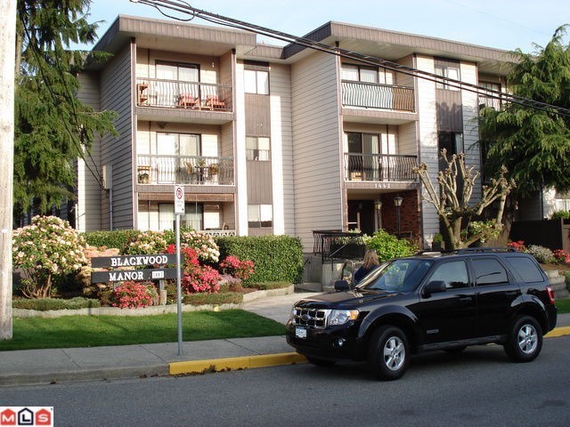 "Main Photo: 118 1442 BLACKWOOD Street: White Rock Condo for sale in ""BLACKWOOD MANOR"" (South Surrey White Rock)  : MLS® # F1103231"