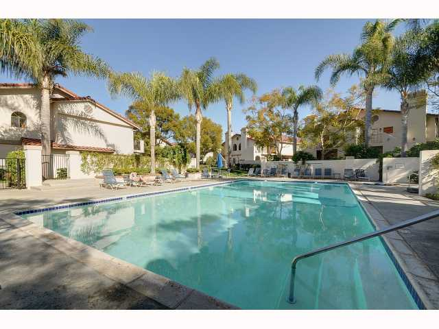Photo 9: UNIVERSITY CITY Home for sale or rent : 2 bedrooms : 7606 Palmilla #39 in San Diego
