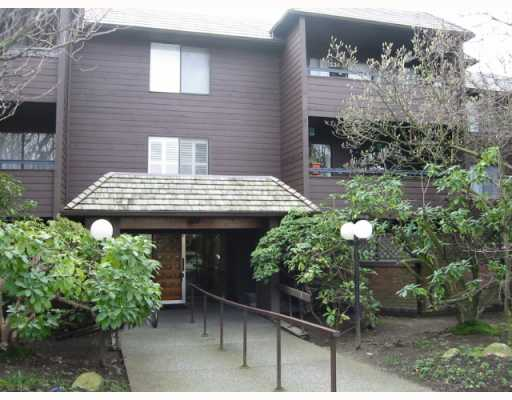 "Main Photo: 301 1720 W 12TH Avenue in Vancouver: Fairview VW Condo for sale in ""TWELVE PINES"" (Vancouver West)  : MLS®# V812300"