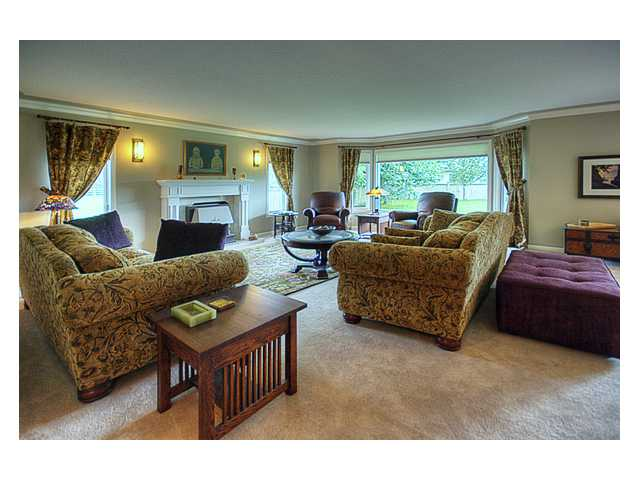 Photo 3: 9871 FINN Road in Richmond: Gilmore House for sale : MLS® # V851497