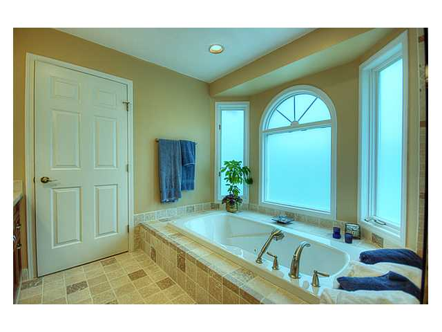 Photo 10: 9871 FINN Road in Richmond: Gilmore House for sale : MLS® # V851497