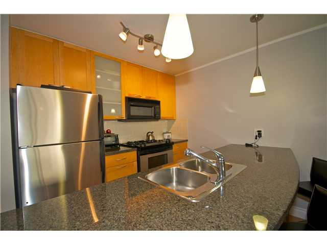 "Photo 3: Photos: 605 989 RICHARDS Street in Vancouver: Downtown VW Condo for sale in ""THE MONDRIAN"" (Vancouver West)  : MLS(r) # V833931"