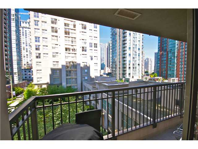 "Photo 10: Photos: 605 989 RICHARDS Street in Vancouver: Downtown VW Condo for sale in ""THE MONDRIAN"" (Vancouver West)  : MLS(r) # V833931"