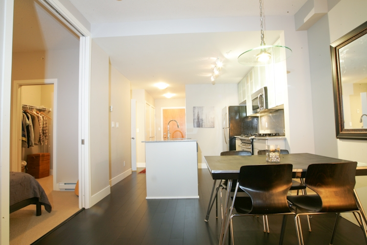 "Photo 4: 511 298 E 11TH Avenue in Vancouver: Mount Pleasant VE Condo for sale in ""SOPHIA"" (Vancouver East)  : MLS® # V865305"