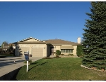 Main Photo: 880 APPLECROSS Drive in ESTPAUL: Birdshill Area Residential for sale (North East Winnipeg)  : MLS® # 2820479