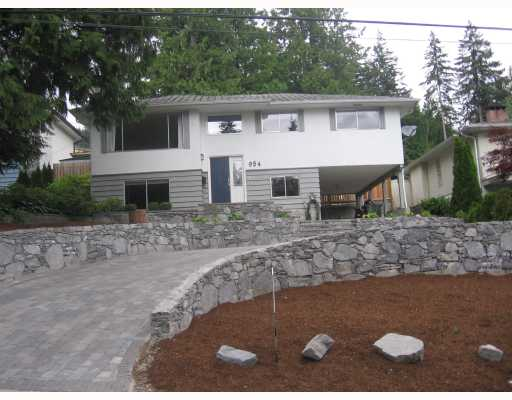 Main Photo: 954 WELLINGTON Drive in North_Vancouver: Lynn Valley House for sale (North Vancouver)  : MLS(r) # V773469