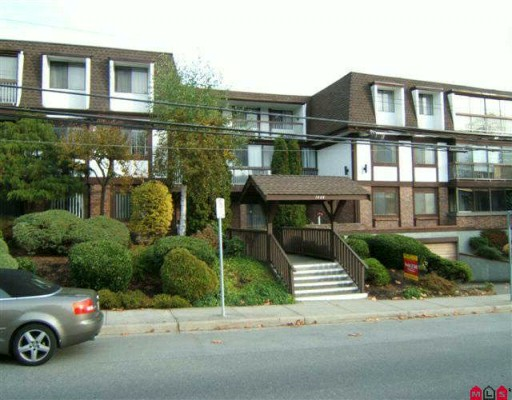 "Main Photo: 206 1444 MARTIN Street: White Rock Condo for sale in ""MARTINVIEW MANOR"" (South Surrey White Rock)  : MLS® # F2925700"