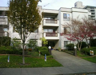 "Main Photo: 109 975 W 13TH AV in Vancouver: Fairview VW Condo for sale in ""OAKMONT"" (Vancouver West)  : MLS® # V566379"