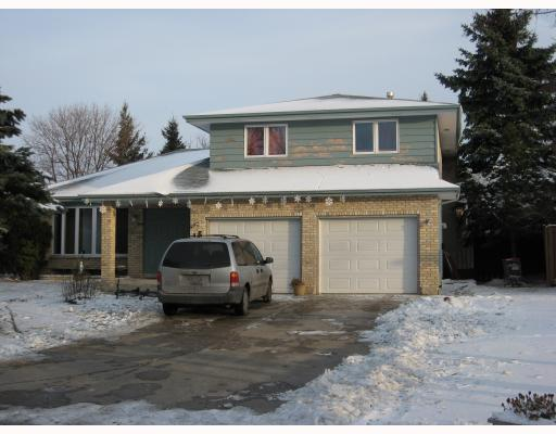 Main Photo: 15 ENVOY Crescent in WINNIPEG: West Kildonan / Garden City Single Family Detached for sale (North West Winnipeg)  : MLS(r) # 2902158