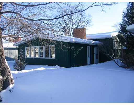 Main Photo: 856 HOLLY Avenue in WINNIPEG: Fort Garry / Whyte Ridge / St Norbert Residential for sale (South Winnipeg)  : MLS®# 2900304
