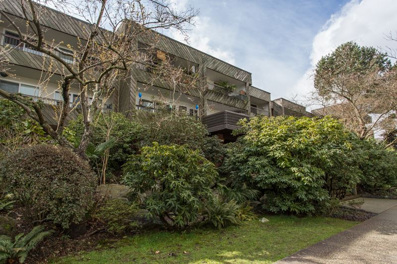 FEATURED LISTING: 204 - 550 6TH Avenue East Vancouver
