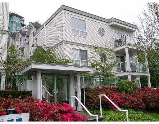 "Main Photo: 41 2728 CHANDLERY Place in Vancouver: Fraserview VE Townhouse for sale in ""RIVERSIDE GARDENS"" (Vancouver East)  : MLS® # V804233"