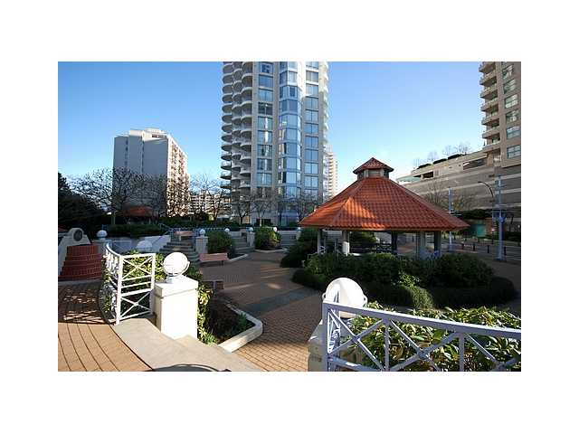 "Main Photo: 1003 739 PRINCESS Street in New Westminster: Uptown NW Condo for sale in ""BERKLEY PLACE"" : MLS® # V837380"