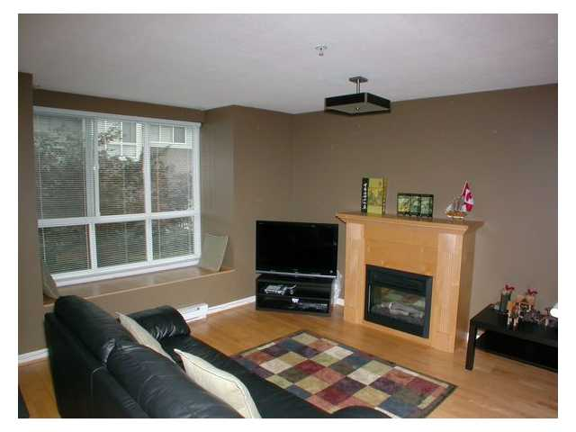 "Photo 2: 33 7128 STRIDE Avenue in Burnaby: Edmonds BE Townhouse for sale in ""RIVER STONE"" (Burnaby East)  : MLS® # V855169"