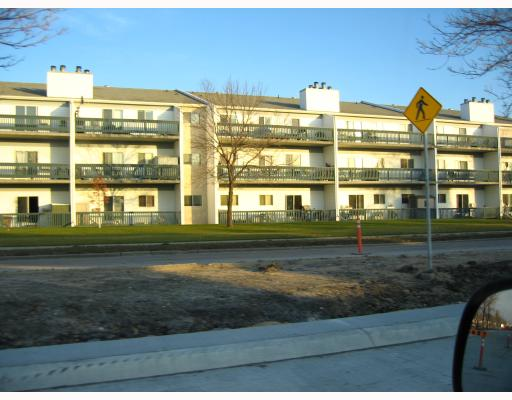 Main Photo: 1671 PLESSIS Road in WINNIPEG: Transcona Condominium for sale (North East Winnipeg)  : MLS(r) # 2820940