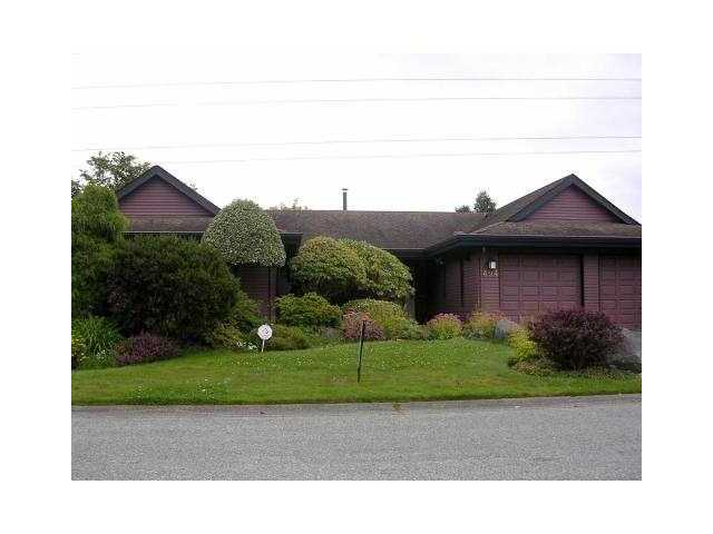 "Main Photo: 494 SHANNON Way in Tsawwassen: Pebble Hill House for sale in ""TSAWWASSEN HEIGHTS"" : MLS® # V865230"