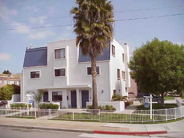 Main Photo: PACIFIC BEACH Residential for sale : 3 bedrooms : 4257 GRESHAM ST. in San Diego