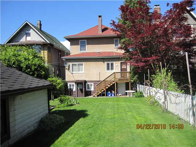 Photo 2: 1536 E 13TH Avenue in Vancouver: Grandview VE House for sale (Vancouver East)  : MLS(r) # V825354
