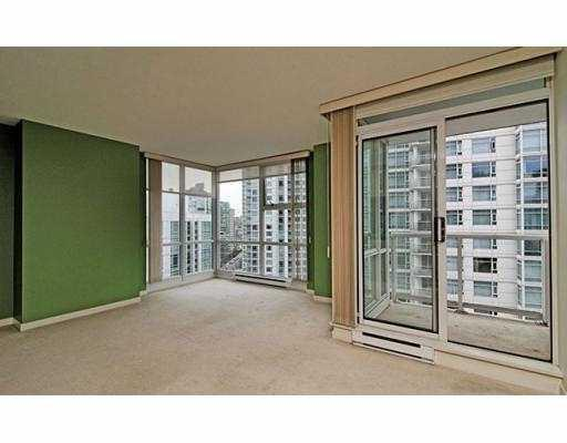 "Photo 4: 1602 193 AQUARIUS MEWS BB in Vancouver: False Creek North Condo for sale in ""193 AQUARIUS MEWS"" (Vancouver West)  : MLS(r) # V784836"