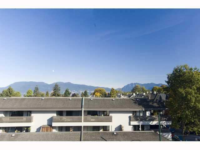 "Photo 2: 403 2025 STEPHENS Street in Vancouver: Kitsilano Condo for sale in ""STEPHENS COURT"" (Vancouver West)  : MLS(r) # V791320"