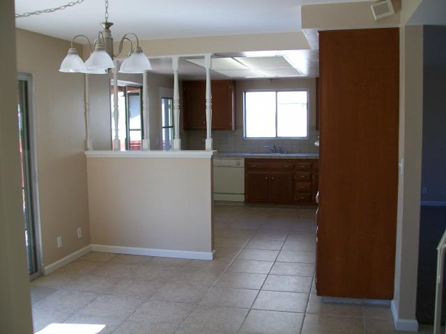 Photo 3: CLAIREMONT House for sale : 4 bedrooms : 4829 Crisp in San Diego